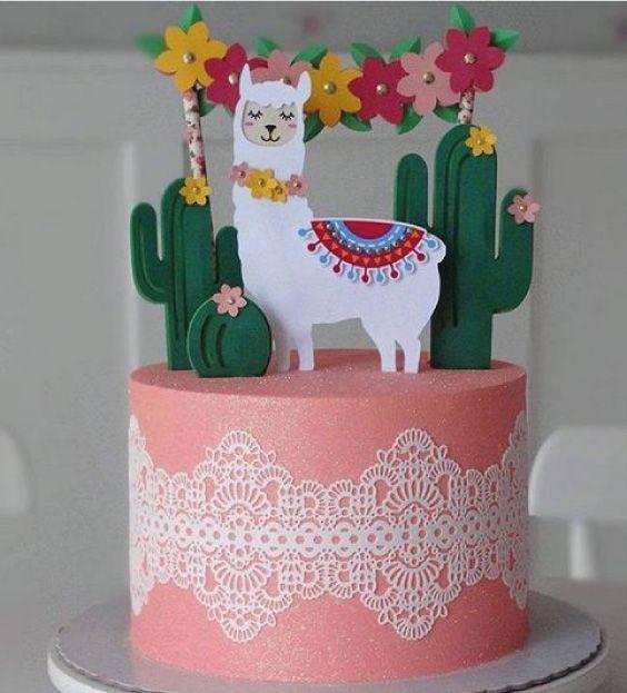 Torta decorada con llama para niña