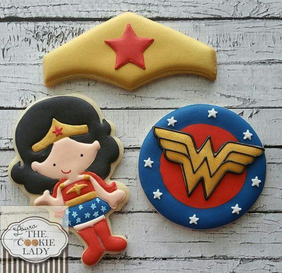 Galletas decoradas de Mujer Maravilla