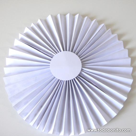 Cómo hacer rosetas de papel
