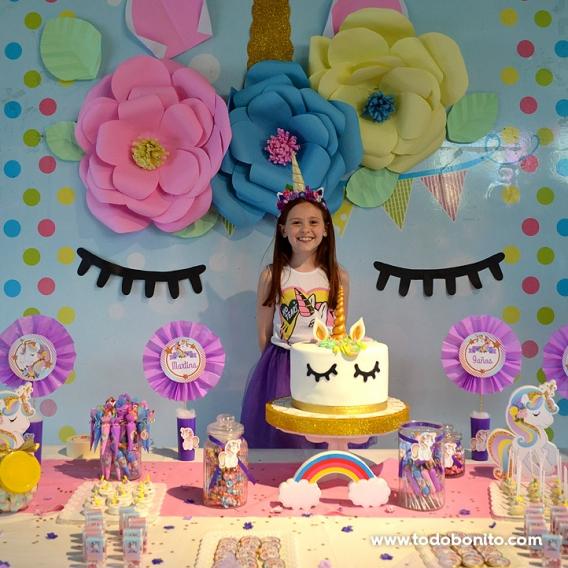 Mesa dulce decorada con imprimible Unicornios de Todo Bonito