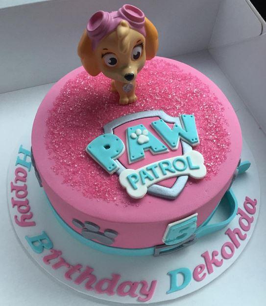 Torta de cumpleaños en celeste y rosa con Skye de Paw Patrol