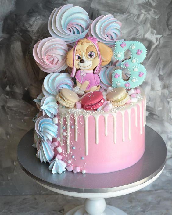Torta de cumpleaños con Skye Paw Patrol en rosa
