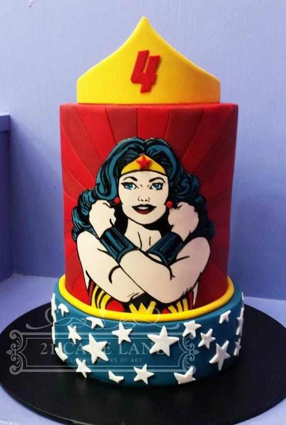 Torta de mujer maravilla