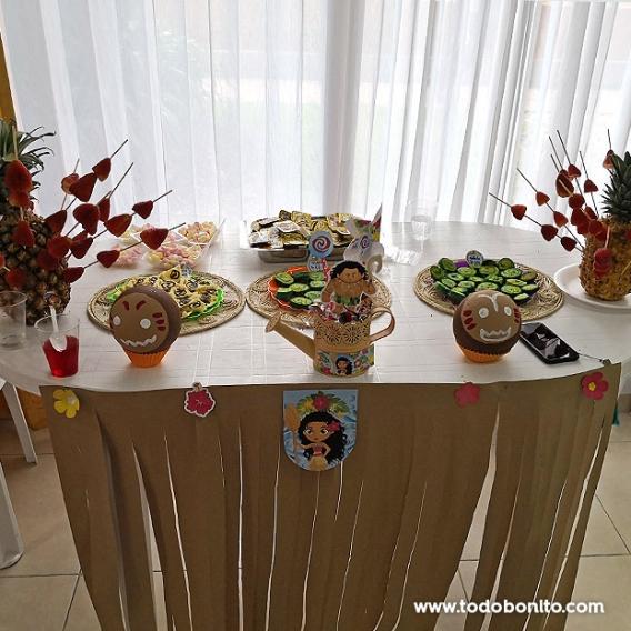 Decoraciones mesa dulce de Moana