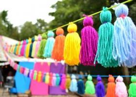 Borlas de lana fáciles y coloridas