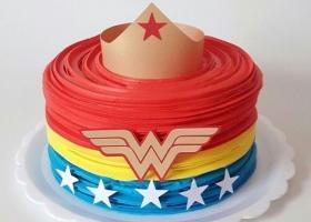 Tortas decoradas de la Mujer Maravilla