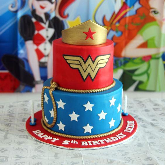 Torta de la Mujer Maravilla