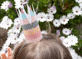 Cómo hacer una corona con tubos de cartón