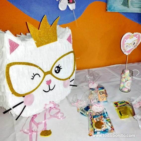 Piñata deGatita princesa