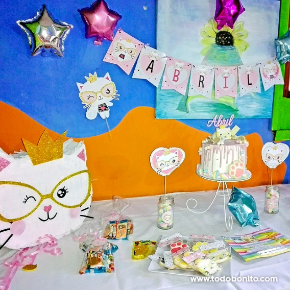Mesa dulce deGatita princesa