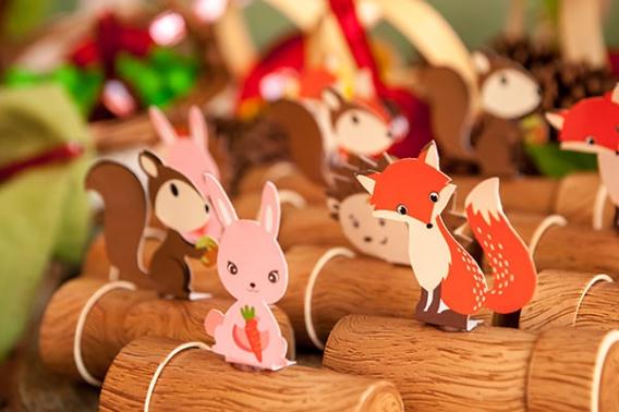 Decoración de fiesta con animalitos del bosque