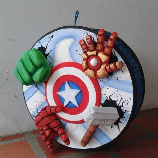 Ideas piñatas Avengers