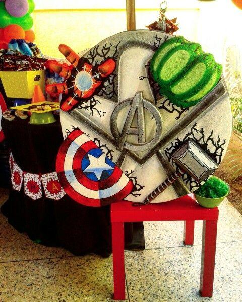 Ideas piñata Avengers