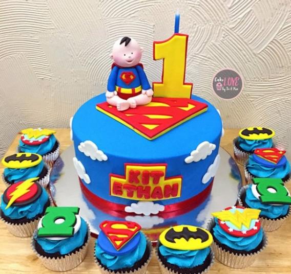 Torta y cupcakes de la Liga de la Justicia