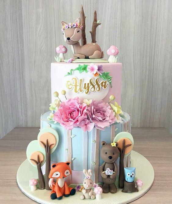 Torta animalitos del bosque niña