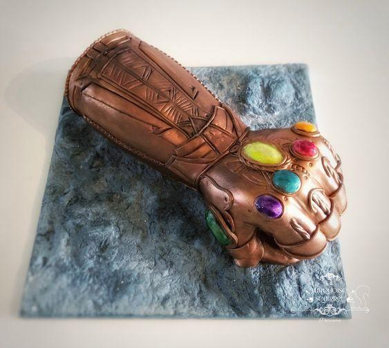 Torta guante Thanos