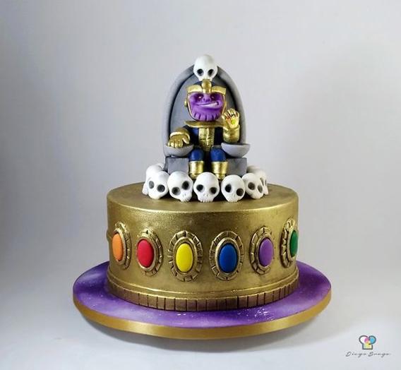 Torta Thanos calaveras