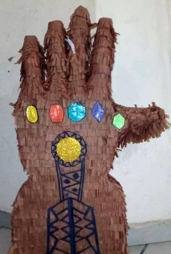 Piñata guantelete Thanos