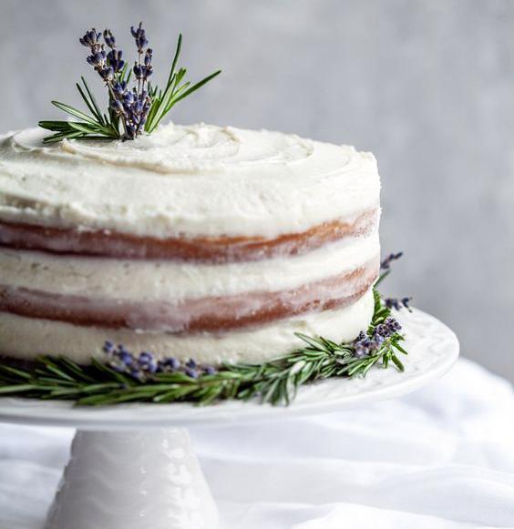 Torta estilo rústico decorada con hojas