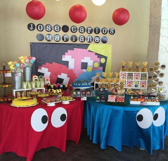 Mesas decoradas de cumpleaños con Pac-man