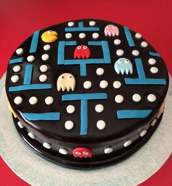 Torta decorada para cumpleaños de pac-man