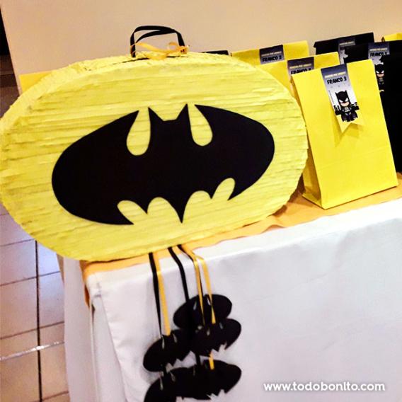 Piñata de Batman