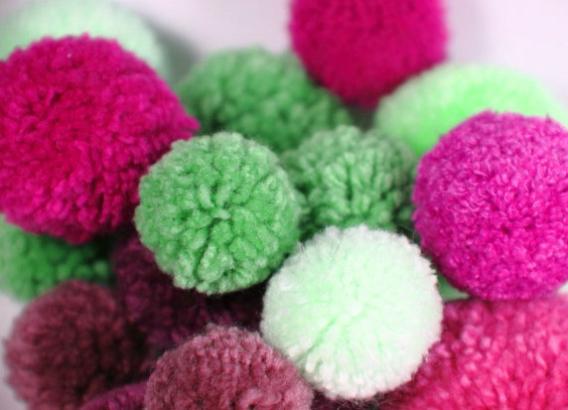 5 formas para hacer pompones de lana