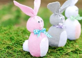 Conejo realizado con medias