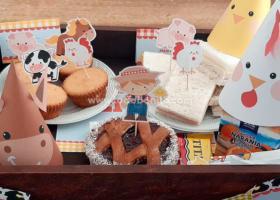 Hermoso desayuno con animalitos de la granja