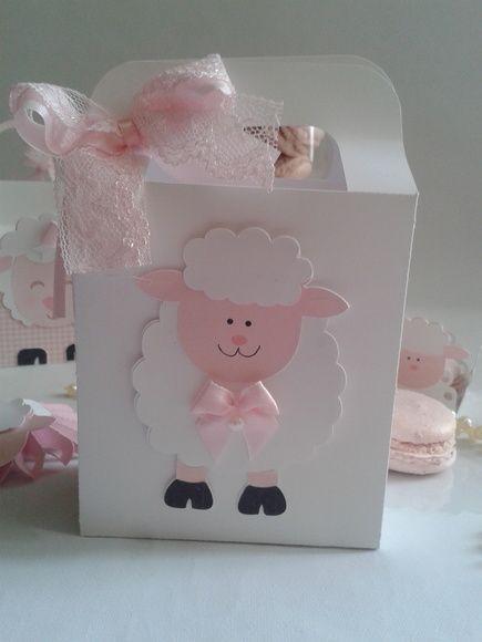 Cajas decoradas de ovejas para niña