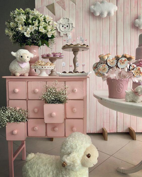 Ideas de decoración de ovejas para fiesta de nena