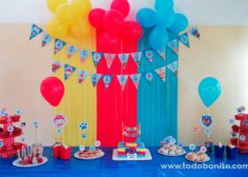 Un cumpleaños decorado con cachorros Paw Patrol
