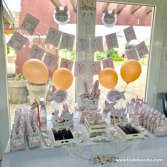 Mesa dulce decorada con kit conejita de Todo Bonito