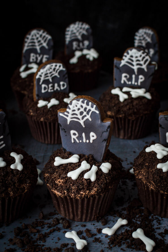 Cupcakes decorados para Halloween RIP